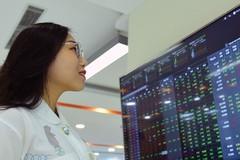Lực bán dâng cao, VN-Index giảm điểm trở lại