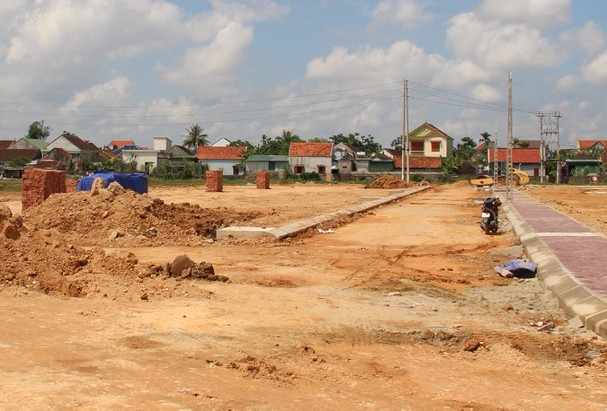 Nghệ An: Nhiều người bỏ cọc cả trăm triệu, tháo chạy khỏi lô đất trúng đấu giá