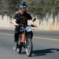 """<p class=""""Normal""""> <strong>Dat Bike: 2,6 triệu USD</strong></p> <p class=""""Normal""""> Dat Bike - một startup Việt với tham vọng trở thành hãng xe máy điện hàng đầu Đông Nam Á – vừa huy động được 2,6 triệu USD trong vòng pre-Series A do Jungle Ventures đứng đầu. Vòng gọi vốn này còn có sự tham gia của Wavemaker Partners, Hustle Fund và iSeed Ventures.</p> <p class=""""Normal""""> Được sản xuất tại Việt Nam với hầu hết phụ tùng trong nước, điểm hấp dẫn của Dat Bike là khả năng cạnh tranh với xe máy xăng về giá cả và hiệu suất.<span>Người sáng lập kiêm CEO Nguyễn Bá Cảnh Sơn học cách chế tạo xe đạp từ các bộ phận phế liệu khi đang làm kỹ sư phần mềm tại Thung lũng Silicon. Năm 2018, Cảnh Sơn về Việt Nam và sáng lập Dat Bike.</span><span>Theo Cảnh Sơn, Dat Bike cho hiệu suất cao gấp 3 lần (5 kW so với 1,5 kW) và phạm vi hoạt động gấp 2 lần (100 km so với 50 km) so với hầu hết các loại xe máy điện trên thị trường ở cùng mức giá. (Ảnh: <em>Dat Bike</em>)</span></p>"""