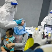 Malaysia phát hiện thêm các biến thể đáng lo ngại của virus SARS-CoV-2