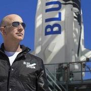 Tỷ phú Jeff Bezos có được bảo hiểm trong chuyến bay sinh tử sắp tới?