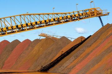Giá quặng sắt giảm vì nhu cầu thép đi xuống tại Trung Quốc