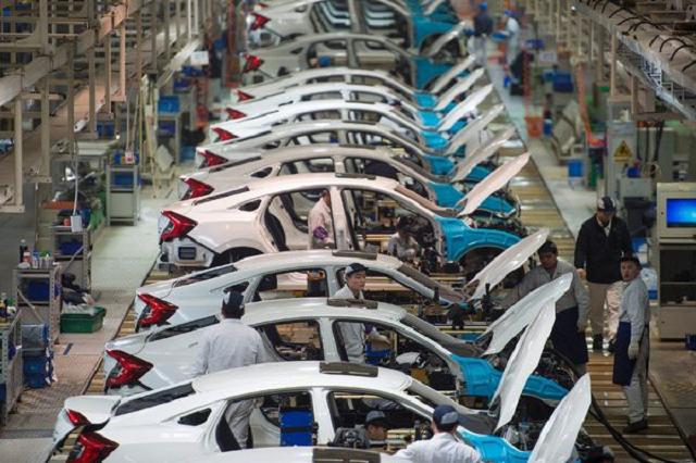 Phó Thủ tướng yêu cầu xem xét khả năng tiếp tục gia hạn ưu đãi thuế sản xuất, lắp ráp ôtô.