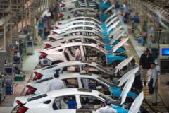 Phó Thủ tướng yêu cầu xem xét khả năng tiếp tục gia hạn ưu đãi thuế sản xuất, lắp ráp ôtô