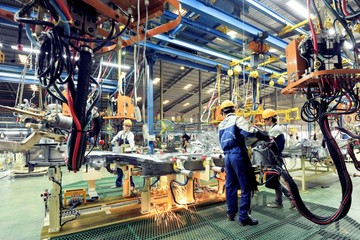 PMI giảm mạnh nhất trong hơn một năm