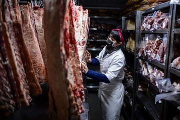 Người tiêu dùng bớt ăn thịt vì đại dịch và giá cả leo thang