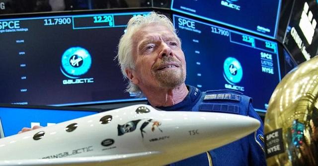 Tỷ phú quyết bay vào vũ trụ trước Jeff Bezos: Từ cậu bé mắc bệnh khó đọc thành ông chủ đế chế Virgin