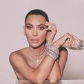 """<p class=""""Normal""""> <strong>6. Kim Kardashian</strong></p> <p class=""""Normal""""> Lượt người theo dõi: 232 triệu</p> <p class=""""Normal""""> Giá trị một bài đăng: 1,41 triệu USD</p> <p class=""""Normal""""> Kim Kardashian là người giàu nhất trong gia đình Kardashian-Jenners, với giá trị tài sản ròng hiện tại là một tỷ USD. Cô có 232 triệu người theo dõi trên Instagram và kiếm tiền chủ yếu nhờ các bài đăng cho KKW Beauty và Skims. Ảnh: <em>Instagram Kim Kardashian</em></p>"""