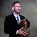 """<p class=""""Normal""""> <strong>7. Lionel Messi</strong></p> <p class=""""Normal""""> Lượt người theo dõi: 224 triệu</p> <p class=""""Normal""""> Giá trị một bài đăng: 1,16 triệu USD</p> <p class=""""Normal""""> Messi gia nhập danh sách này nhờ những bài đăng trên Instagram chủ yếu cho các chiến dịch quảng cáo của Pepsi, Gillette và Turkish Airlines. Tính đến năm 2021, giá trị tài sản ròng của Messi ước tính là 400 triệu . Ảnh: <em>Xinhua</em></p>"""