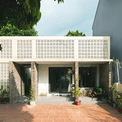 """<p> Dự án được thực hiện trên khu đất 360 m2 ở Sóc Sơn. Kiến trúc sư của<span style=""""color:rgb(0,0,0);"""">AICC</span>Architecture gọi dự án này là Hồi sinh bởi công trình đã khơi dậy sự sống cho một không gian xuống cấp.</p>"""
