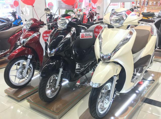 Xe máy ế ẩm, giá Winner X lao dốc gần 13 triệu, Honda SH, Vision giảm sốc