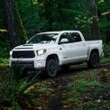 """<p class=""""Normal""""> <strong>6. Toyota Tundra</strong><br /><br /><span>Giá mua xe mới trung bình: 49.643 USD</span><br /><br /><span>Giá mua xe cũ trung bình: 51.474 USD</span><br /><br /><span>Chênh lệch giá: 3,7%, tương đương 1.831 USD<br /><br /> (</span><span style=""""color:rgb(34,34,34);"""">Ảnh:</span><em><span style=""""color:rgb(34,34,34);"""">Toyota Tundra/Toyota</span></em><span>)</span></p>"""