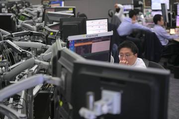 Chứng khoán châu Á trái chiều, thị trường Hong Kong giảm mạnh nhất khu vực