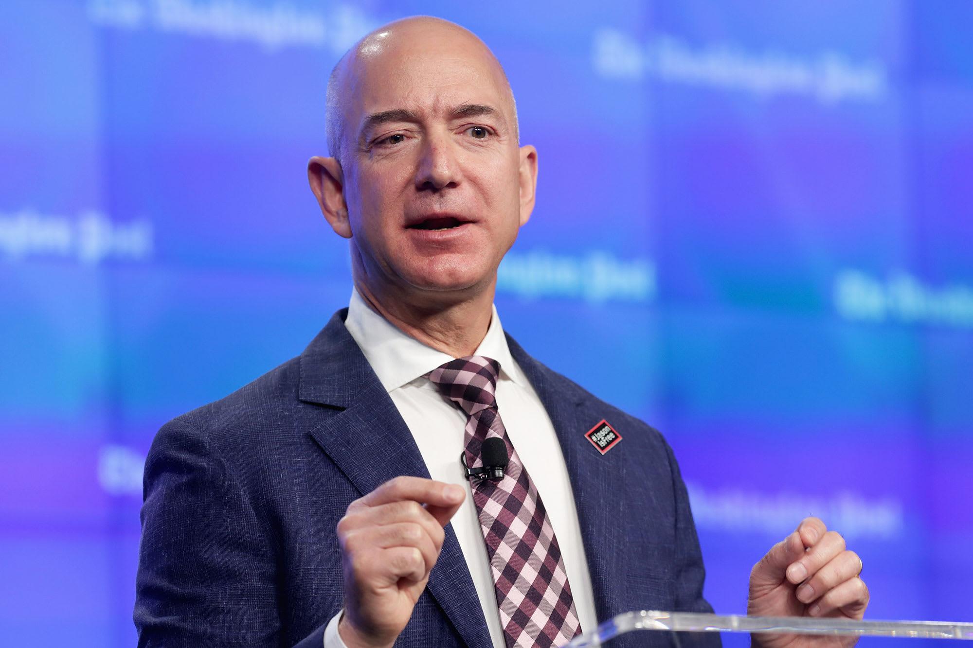 Thư tuyển dụng 'đánh đố' nhân viên IT của Jeff Bezos