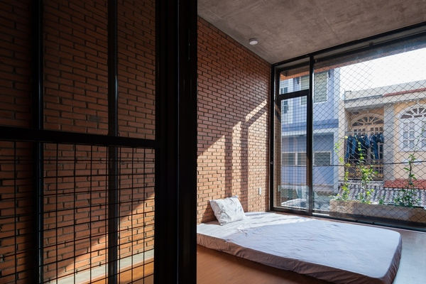 Nhà hẹp ngang 3,5 m với chiều cầu thang đặc biệt