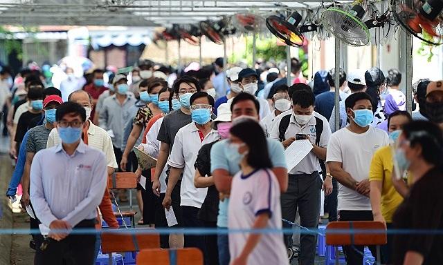 HSBC hạ dự báo tăng trưởng kinh tế Việt Nam