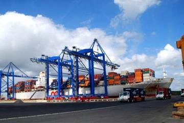 Chuyên gia quốc tế: Ngành logistics TP HCM phụ thuộc vào cuộc đua tiêm chủng