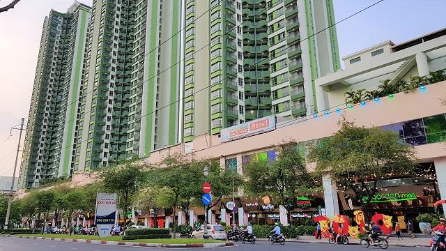 Thuận Kiều Plaza: Từ dự án dành cho người Hong Kong di cư bỏ không gần 30 năm tới bệnh viện dã chiến mùa dịch