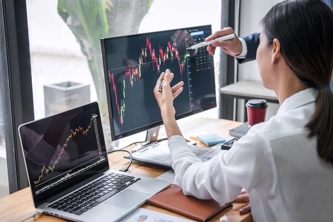 Khối ngoại mua ròng hơn 2.500 tỷ đồng trong tuần VN-Index điều chỉnh mạnh