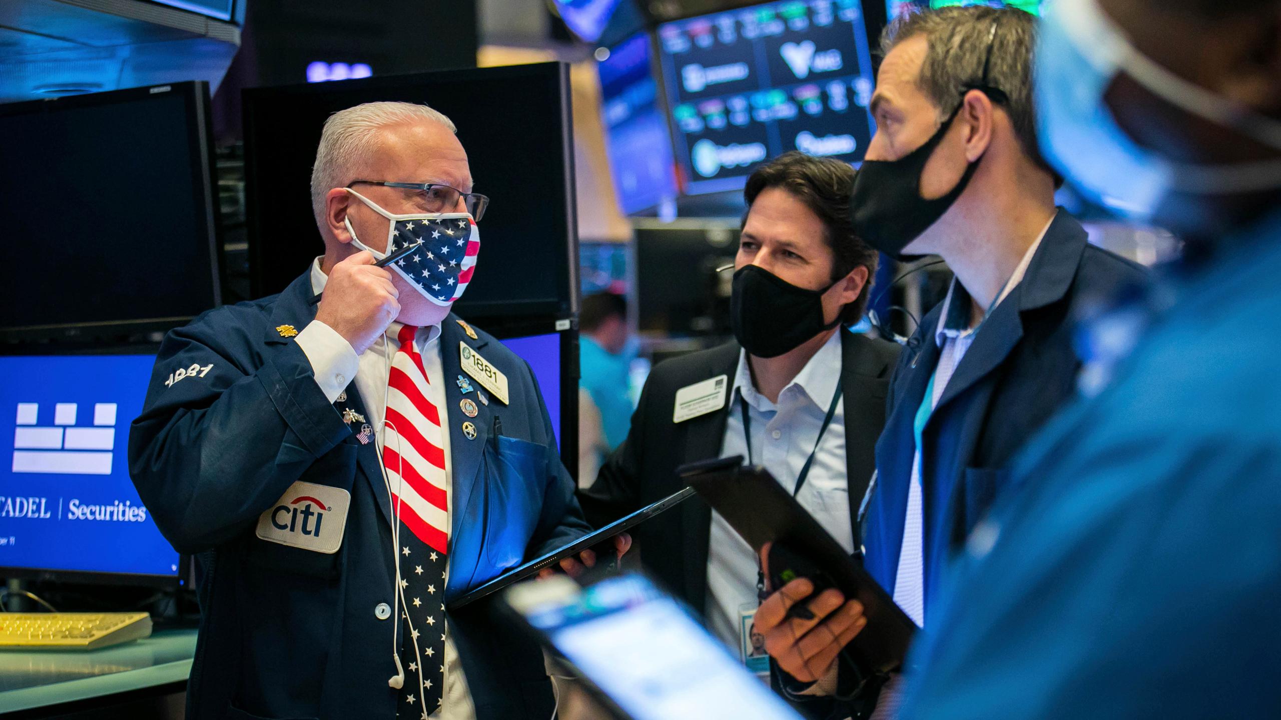 Cổ phiếu tài chính phục hồi, Phố Wall lập đỉnh