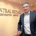 """<p class=""""Normal""""> <strong>4. Gia đình Chirathivat</strong></p> <p class=""""Normal""""> Tài sản: 11,6 tỷ USD</p> <p class=""""Normal""""> Gia đình Chirathivat sở hữu tập đoàn đa ngành Central Group nổi tiếng của Thái Lan. Hiện tại, người lãnh đạo tập đoàn này là ông Tos Chirathivat (ảnh trên), cháu trai của nhà sáng lập Tiang Chirathivat – một người Thái gốc Hoa. Central Group sở hữu nhiều chuỗi bán lẻ tại Việt Nam như hệ thống siêu thị Big C Việt Nam, chuỗi điện máy Nguyễn Kim, chuỗi siêu thị Lan Chi Mart... (Ảnh: <em>Bangkokpost</em>)</p>"""