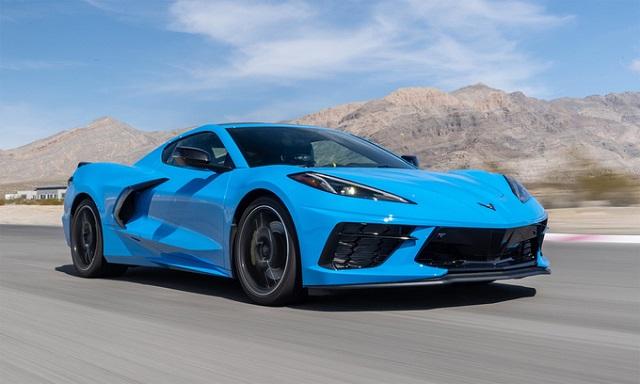 Ôtô đội giá gấp gần 3 lần giá niêm yết
