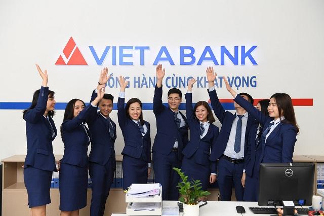 VietABank lên sàn UPCoM giá 13.500 đồng/cp