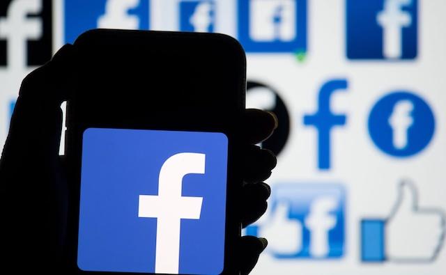 Nhiều kỹ sư Facebook âm thầm theo dõi phụ nữ