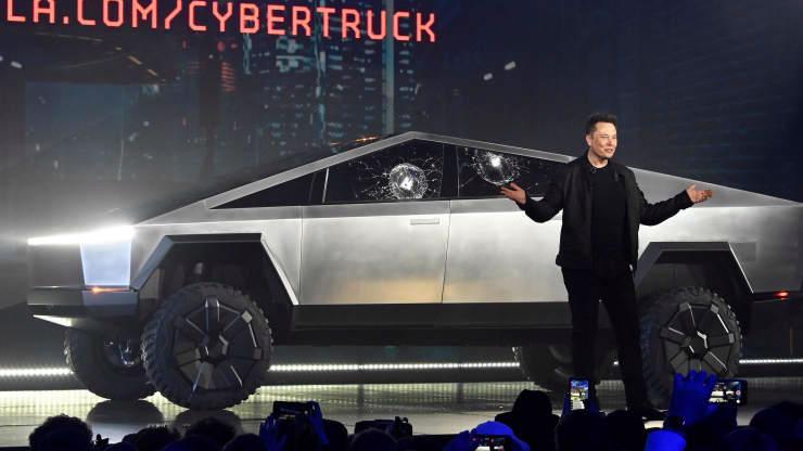Elon Musk thừa nhận dự án bán tải điện Cybertruck có thể thất bại