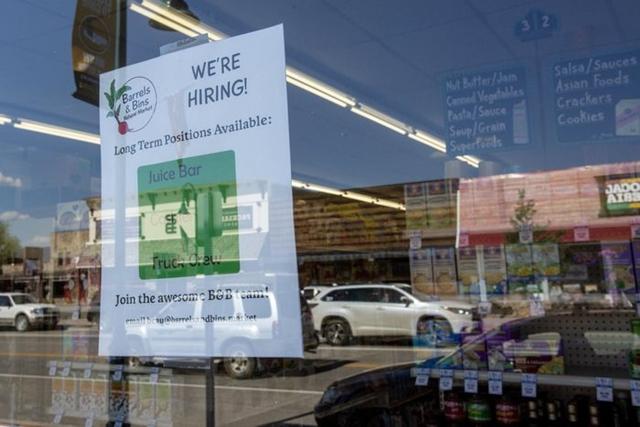 Hàng triệu vị trí đang tuyển dụng, tại sao người lao động Mỹ vẫn thất nghiệp (P1)