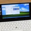 <p> Màn hình của Sony VAIO P có kích thước 8 inch, độ phân giải 1.600 x 768 pixel được xem là khá cao vào năm 2010. Điều này khiến chữ trên màn hình khó đọc nếu nhìn ở khoảng cách bình thường, chỉnh độ phân giải cao nhất.</p>
