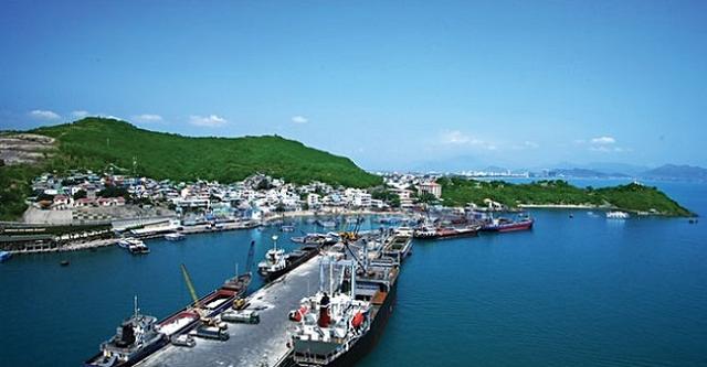 Cảng Cam Ranh lãi gấp 3,4 lần trong quý II, cổ phiếu tăng trần 2 phiên