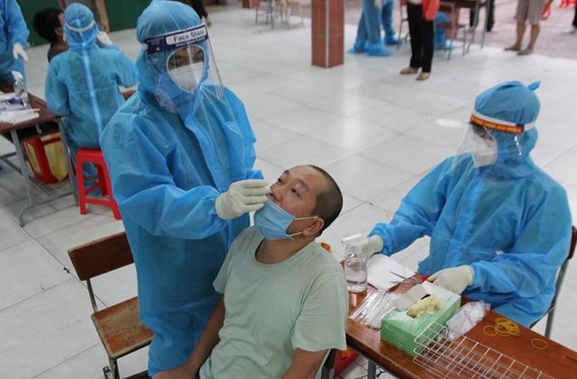 Từ nay đến 25/7, Hà Nội xét nghiệm SARS-CoV-2 cho người có nguy cơ tại cộng đồng