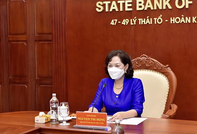 Thống đốc Nguyễn Thị Hồng tại buổi làm việc. Ảnh: SBV.