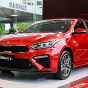 Các mẫu ôtô đáng chú ý đang được giảm giá trăm triệu đồng