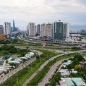<p> Công trình hạ tầng kết nối đáng chú ý nhất của dự án Saigon Sports City là đường trục chính có mặt cắt ngang khoảng 80 m và chiều dài hơn 1 km nối liền với nút giao thông ngã ba Cát Lái.</p>
