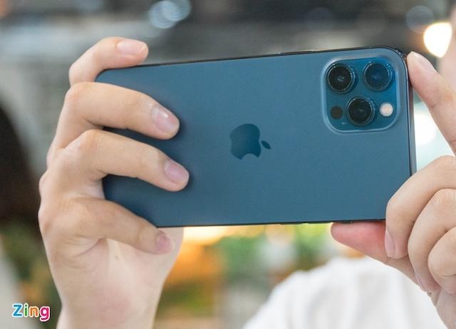 Apple có thể ra mắt iPhone Pro Max phiên bản rẻ hơn