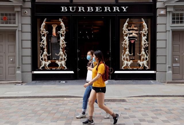 Doanh thu Burberry tăng vượt trội sau làn sóng tẩy chay.