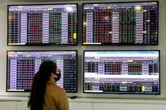 Đầu tư vào những nhóm ngành cổ phiếu nào vào phần còn lại của năm 2021?
