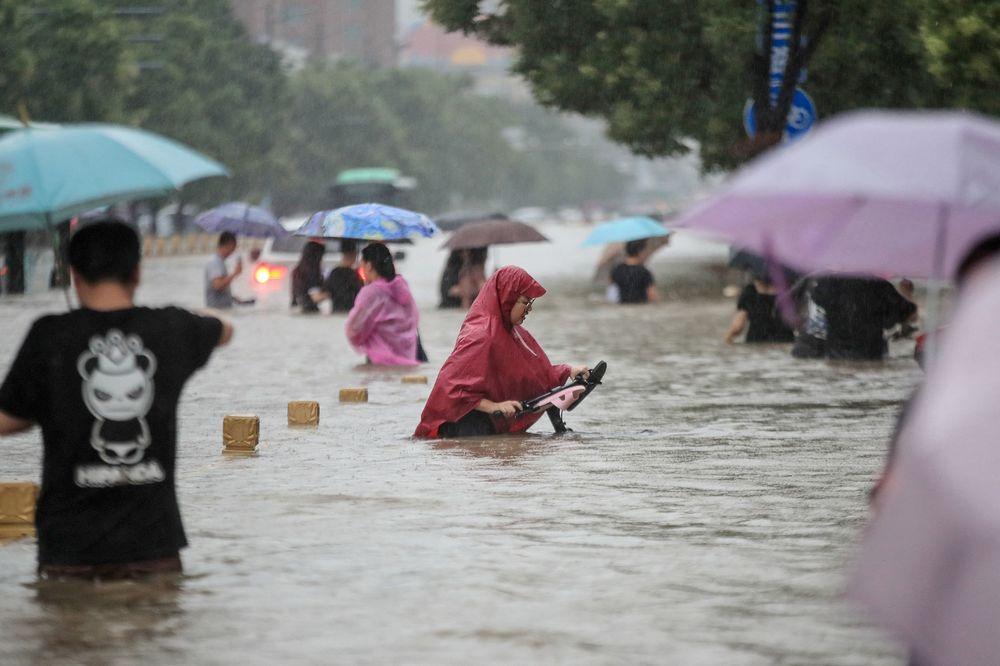 Trận mưa '1.000 năm có một' ở Trung Quốc ảnh hưởng thế nào tới thị trường hàng hóa