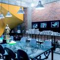 <p> Các kiến trúc sư đã giữ lại 70-80% hiện trạng của ngôi nhà, tập trung chuyển đổi không gian chức năng. Ở tầng 1, không gian chức năng của căn nhà theo hiện trạng là phòng khách và phòng ăn, toàn bộ không gian tầng 1 này được chuyển đổi thành không gian làm việc chính. Lên tầng 2,3, toàn bộ phòng ngủ của căn nhà theo hiện trạng được chuyển đổi thành các không gian chức năng phụ trợ cần thiết cho một văn phòng thiết kế.</p>