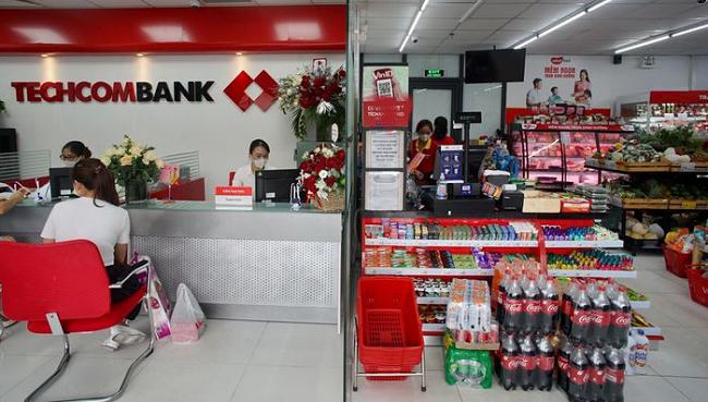 Kế hoạch mở điểm giao dịch tại siêu thị của Techcombank gặp trở ngại lớn?