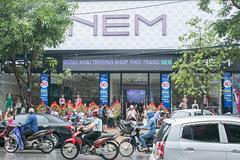 Đại hạ giá khoản nợ liên quan hãng thời trang NEM