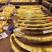 Dịch bệnh phức tạp khiến giá vàng tiếp tục tăng