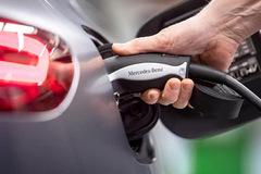 Mercedes-Benz công bố chiến lược 'khai tử' ôtô chạy xăng dầu