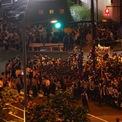 <p> Người dân tràn ra đường biểu tình bên ngoài sân vận động quốc gia Nhật Bản tại thủ đô Tokyo, nơi đang diễn ra Lễ khai mạc Olympic Tokyo 2020 vào tối 23/7. Nhiều người dân không đồng tình với việc chính phủ Nhật Bản quyết định tổ chức Olympic trong bối cảnh đại dịch Covid-19 đang càn quét các quốc gia trên thế giới. Ảnh: <em>Reuters</em>.</p>