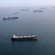 Chuỗi cung ứng toàn cầu rối loạn vì chủng Delta và thiên tai