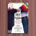 """<p> Thập niên 1980, Apple là hãng máy tính nhỏ bé so với những """"ông lớn"""" như IBM. Do đó, sử dụng miếng dán đồng nghĩa người dùng đang ủng hộ kẻ yếu thế hơn, góp phần tăng sức cạnh tranh cho hãng. Ảnh: <em>Apple Explained.</em></p>"""