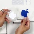 <p> Đối với Apple, truyền miệng là một trong những hình thức quảng cáo hiệu quả. Nghe người thân, bạn bè chia sẻ về MacBook, iPhone sẽ mang đến tác động lớn hơn so với xem quảng cáo trên TV hay báo chí. Ảnh: <em>9to5mac.</em></p>