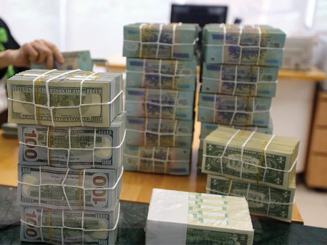 Vốn hóa nhóm ngân hàng 'bốc hơi' gần 12 tỷ USD từ đầu tháng 7